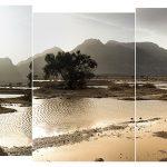 Ammar Bouras. 24°3′55″N 5°3′23″E #4 Editions: Grande (5 exemplaires) : 175 x 57 CM Moyenne (7 exemplaires) : 87,5 x 28,5 CM